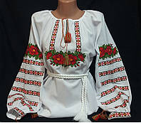 Женская вышиванка с красной вышивкой