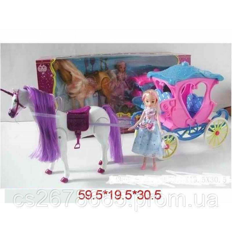 Лошадь с каретой и куклой