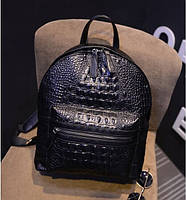 Стильный рюкзак под крокодила.