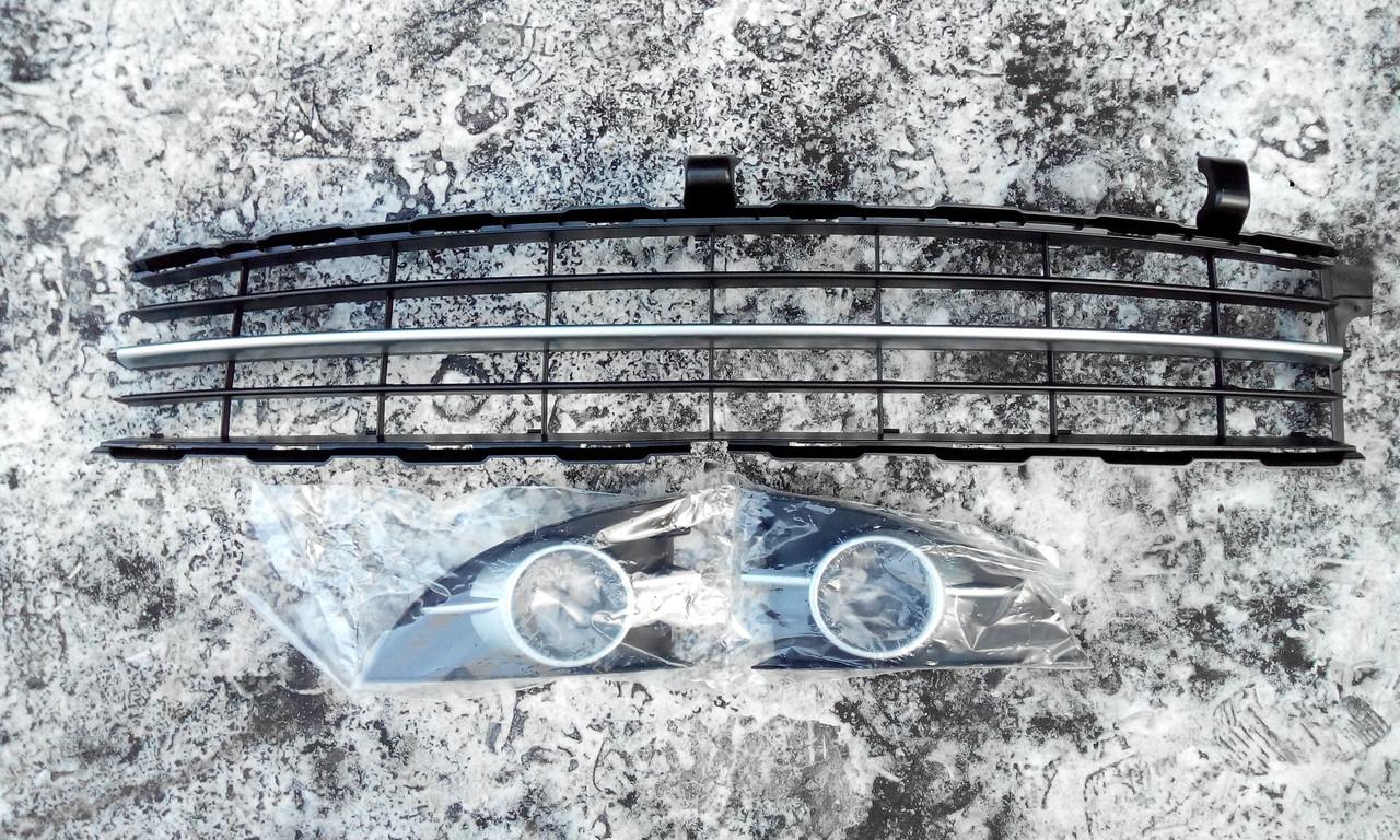 Решетка бампера переднего Рено Сценик 2 ф2