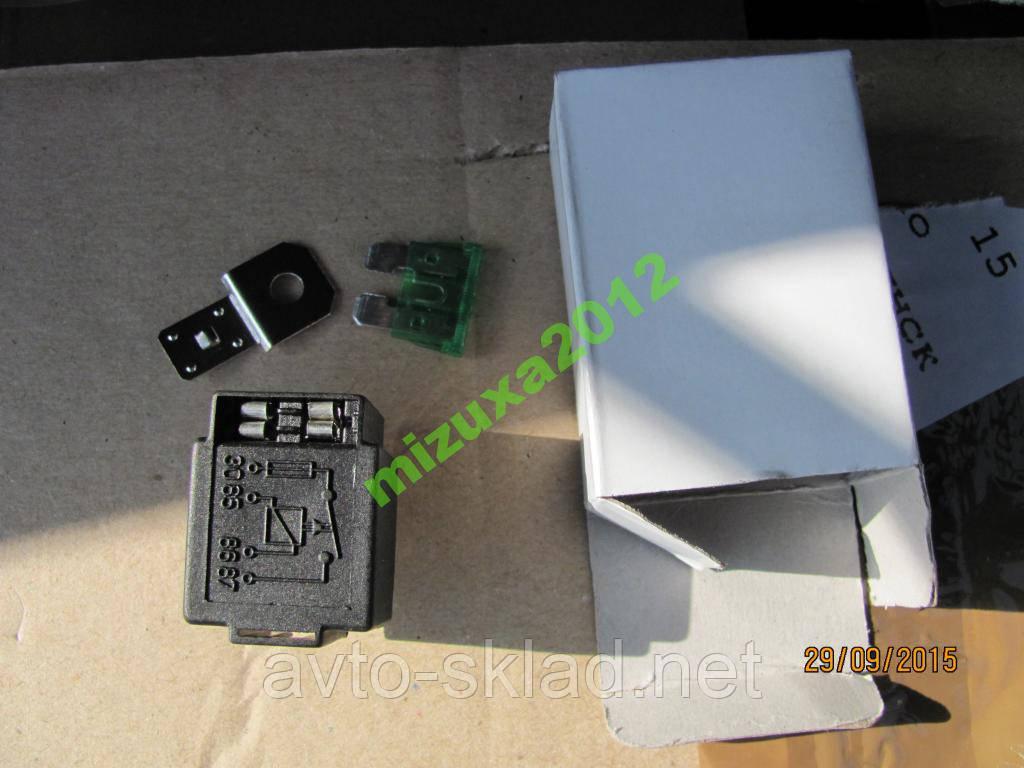 Реле 4-х контактна 30А з запобіжником NVFSA30D