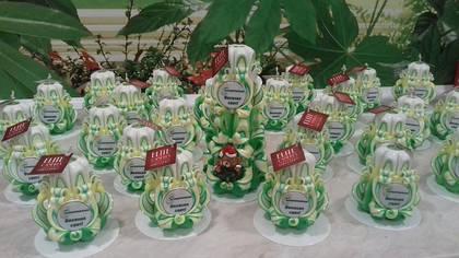 Наши свечи отличный корпоративный подарок. С вашим логотипом в цвете вашего бренда.