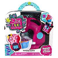Детский игровой набор с швейной машинкой Швейная мастерская Сью Кул Sew Cool