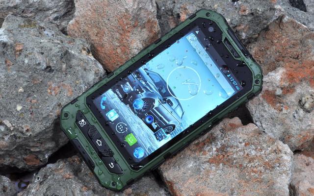 Противоударные защищенные мобильные телефоны