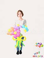 Красивый букет ромашек из круглых шаров