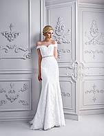 """Замечательное свадебное платье силуэта """"Русалка"""", украшенное нежной аппликацией и изящным пояском"""