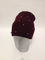 Женская шапка с бусинами
