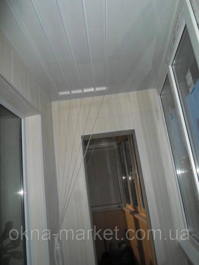 Обшивка балконов пластиковой вагонкой при остеклении балкона под ключ, фирма Окна Маркет