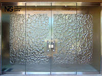 Цельностеклянные двери