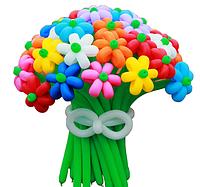 Огромный букет из воздушных шариков, цветы из воздушных шариков. В букете 30  цветочка.