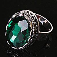 Кольцо безразмерное с овальным зеленым камнем