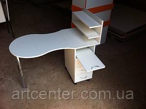 Белый маникюрный стол