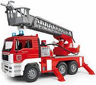 Пожарный грузовик с лестницей Bruder М1:16 (02771), фото 1