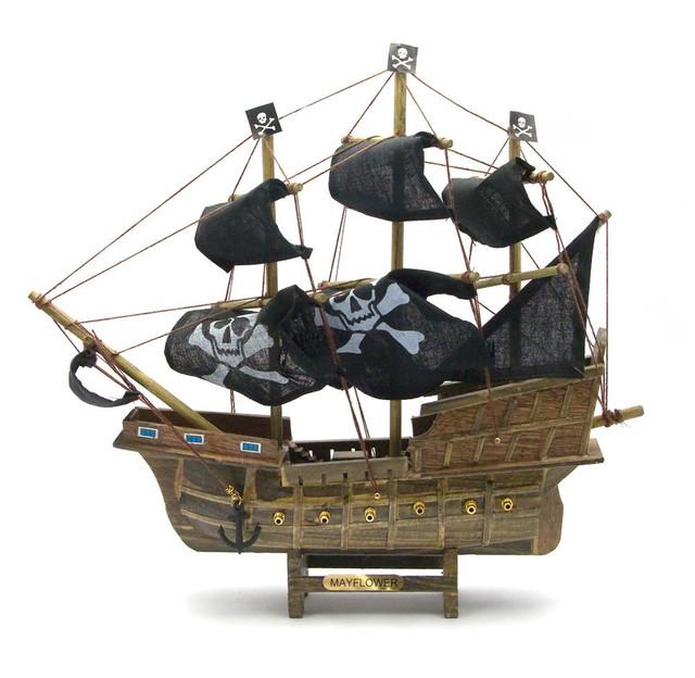 Модель пиратского парусника