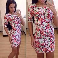 Короткое женское стрейчевое платье с цветочным принтом