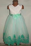 Бальное платье на девочку белое с зеленым.