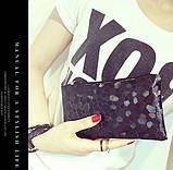 Сумочка-клатч с ремешком на руку текстура Камень черная, фото 4