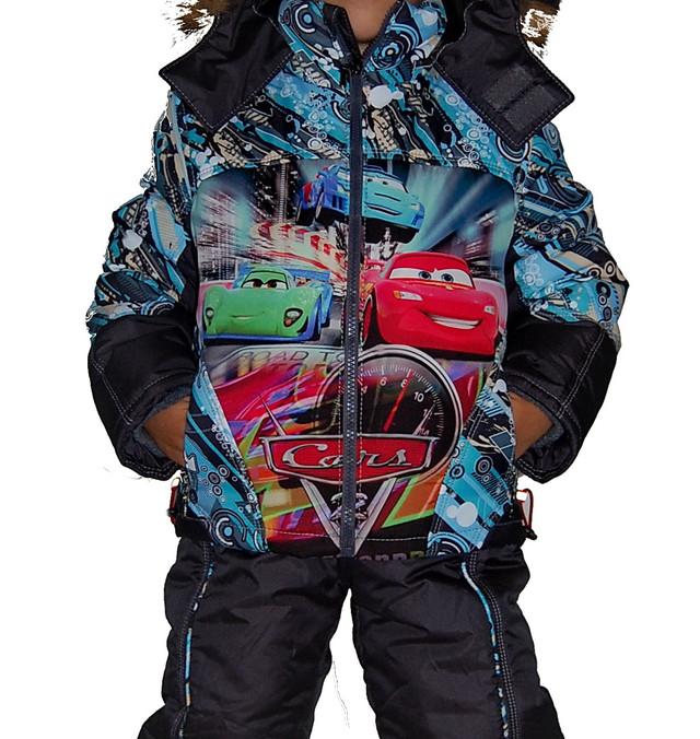 """Зимний костюм """"Тачки"""" с натуральной опушкой для мальчика."""
