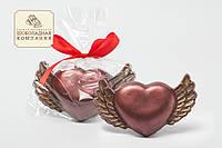 Шоколадный подарок девушке. Сердце с крыльями.