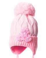 Детская шапка с бумбоном на завязках розовая