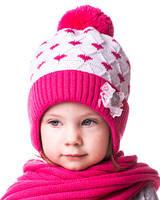 Шапка для девочки теплая на завязках малиновая