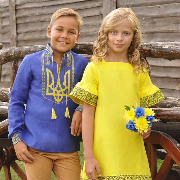 Украинские вышиванки для мальчиков82  Парные детские вышиванки 27c5c06ae2048