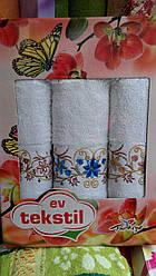 Подарочный набор махровых полотенец тройка белый