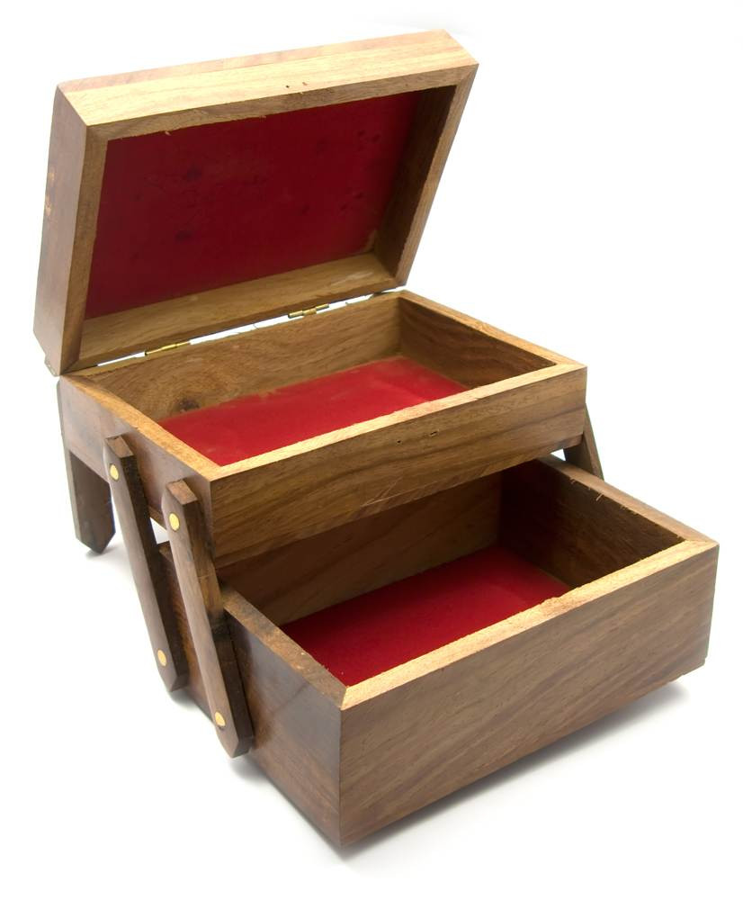 Шкатулка деревянная для украшений
