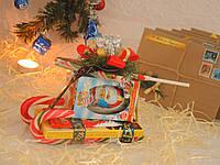 Новогодние сани из сладостей для ребенка №2