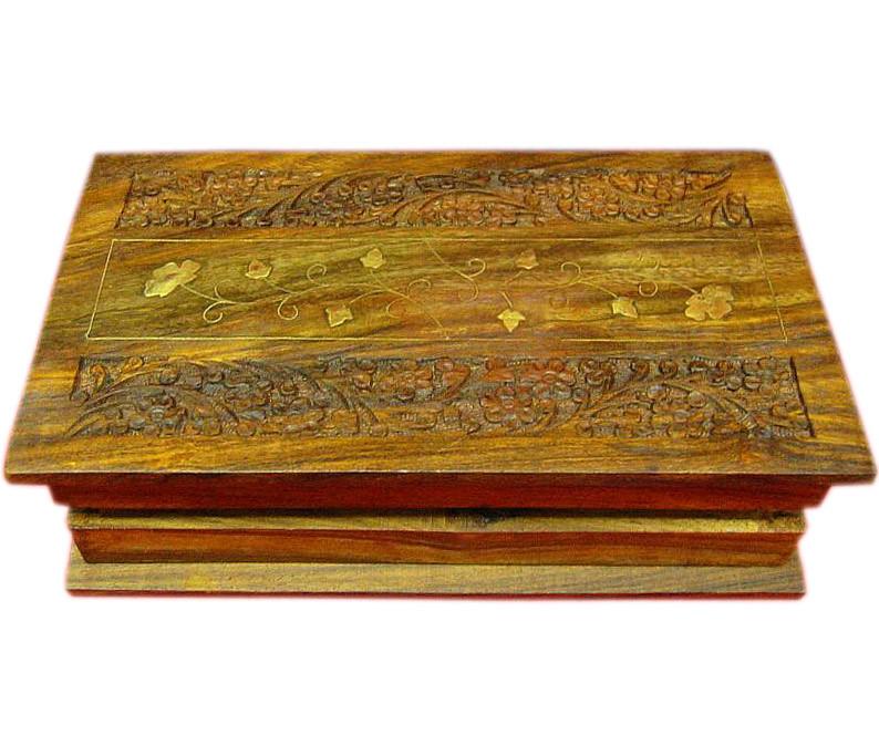 Деревянная шкатулка резная Книга
