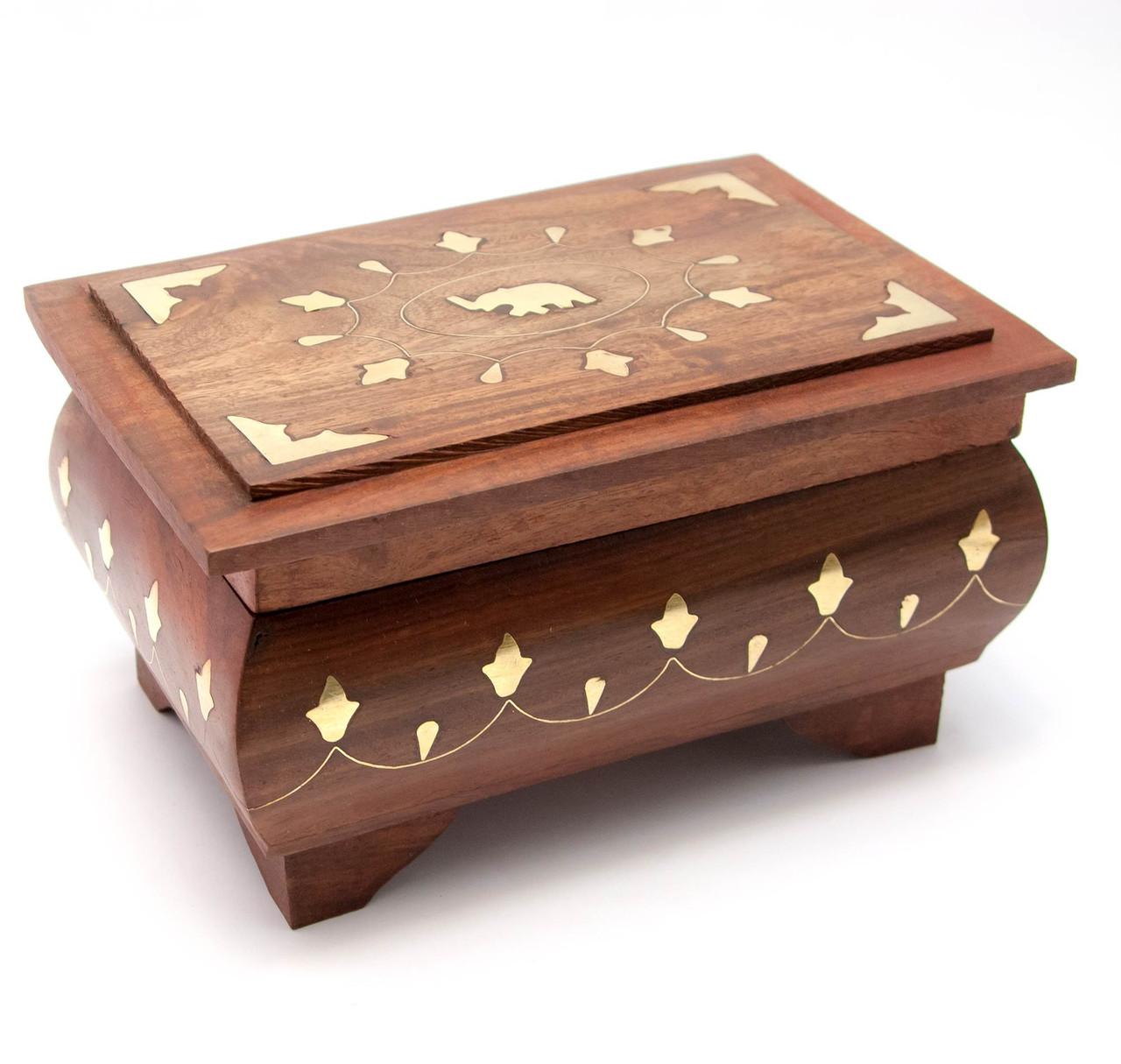 Шкатулка дерев'яна з візерунком