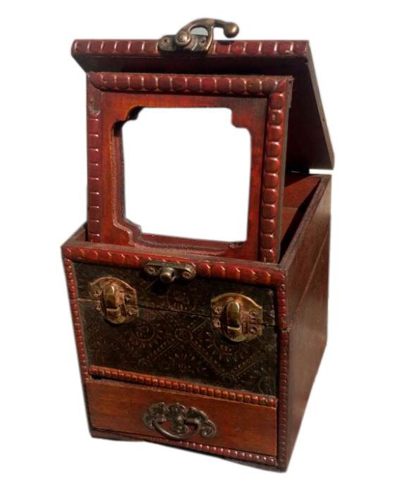 Шкатулка с ящиком деревянная