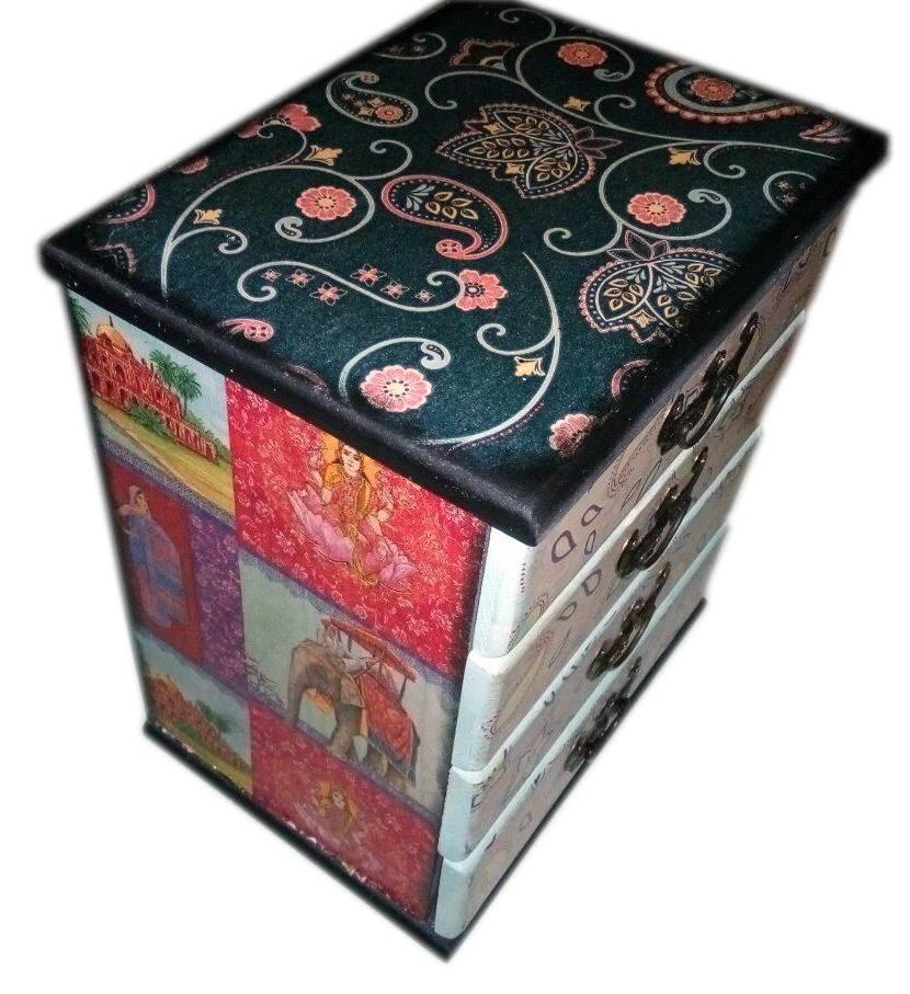 Деревянная шкатулка-комод с индийским орнаментом