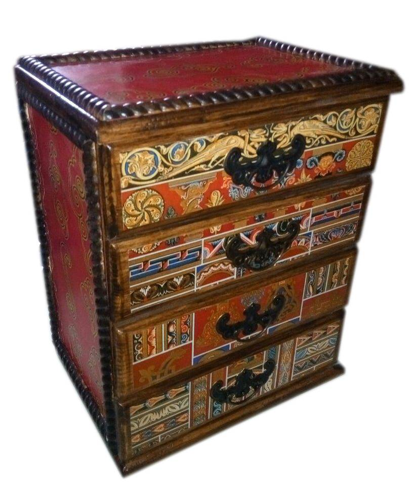 Подарочная шкатулка с ящиками деревянная