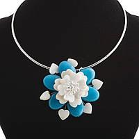 Колье на обруче голубой Цветок перламутр и натуральный агат  Ø 6см