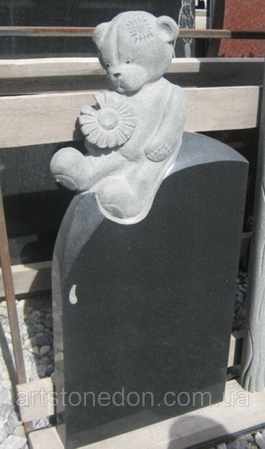 Памятник детский Мишка с ромашкой