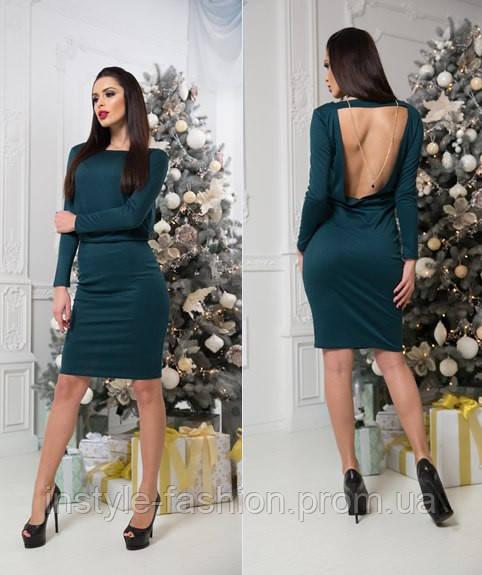 Красивое трикотажное платье с открытой спиной зеленое