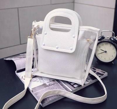 стильная сумочка с косметичкой