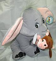 Слон с обезьянкой