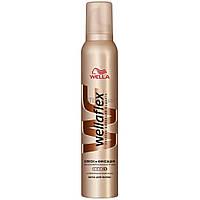Мусс для волос Wellaflex Блеск и Фиксация супер-сильной фиксации 200 мл