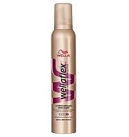 Мусс  для волос Wellaflex  супер-сильной фиксации 200 мл