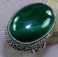Кольцо с крупным малахитом в серебре в стиле винтаж