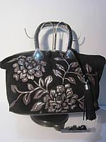 Замшевая сумка с аппликацией от Velina Fabbiano