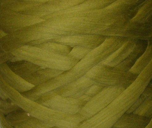 Толстая, крупная пряжа, 100% шерсть овечья для валяния 50г. Цвет: Груша. 25-26 мкрн. Топс. Гребенная лента