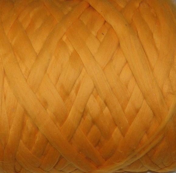 Толстая, крупная пряжа, 100% шерсть овечья для валяния, 50г Цвет: Канарейка. 25-26 мкрн. Топс. Гребенная лента