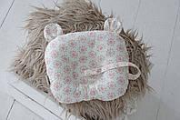 """Детская подушка """"Мишкины ушки"""" с держателем для пустышки для новорожденного малыша ТМ MagBaby Цветы"""