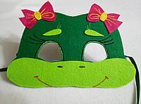 Карнавальная маска Лягушонка с малиновыми бантиками