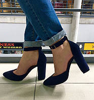 Элегантные женские туфли на широком каблуку, подошва тракторная, на ремешке, натур. замша. Цвет темно синий