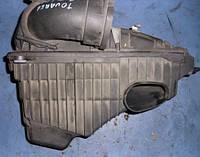 Корпус воздушного фильтра правыйVWTouareg 2.5 R5 tdi2002-20107L0129607