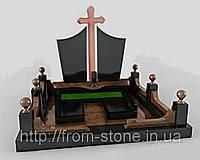 Гранитный мемориальный комплекс с крестом К-013